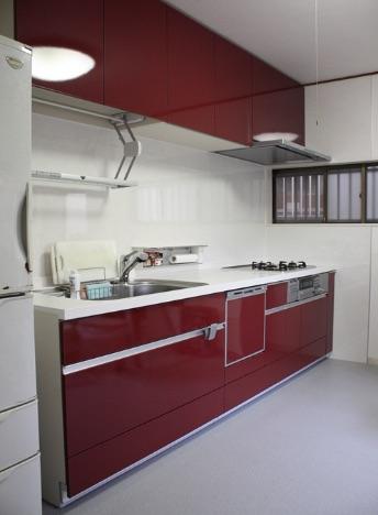 費用を抑えながらかっこいいキッチンに交換するリフォームの事例写真