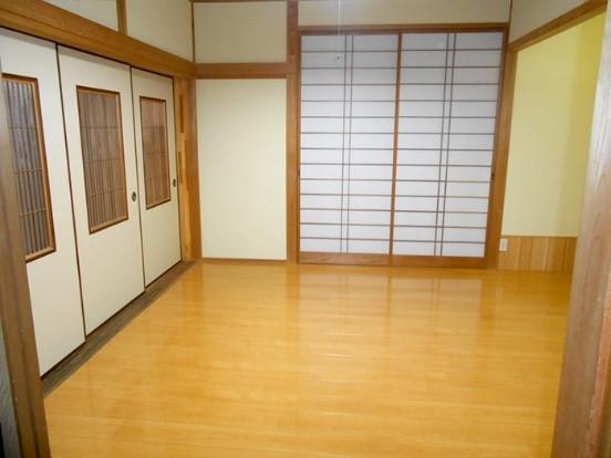 和室にある畳をフローリングにするリフォームの事例写真