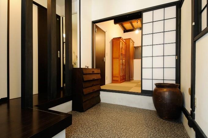 日本情緒漂う空間のデザインに全体リフォームの事例写真