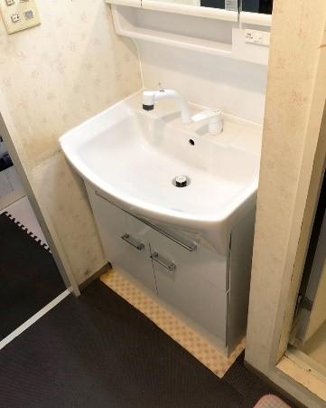 ローコストで使いやすい洗面台に交換の事例写真