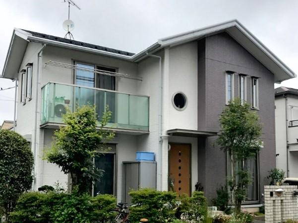 2種類の外壁塗装をしてデザインに優れた外壁にリフォームの事例写真