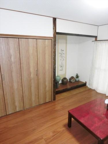 和風の趣を残しながら、和室を洋室にするリフォームの事例写真