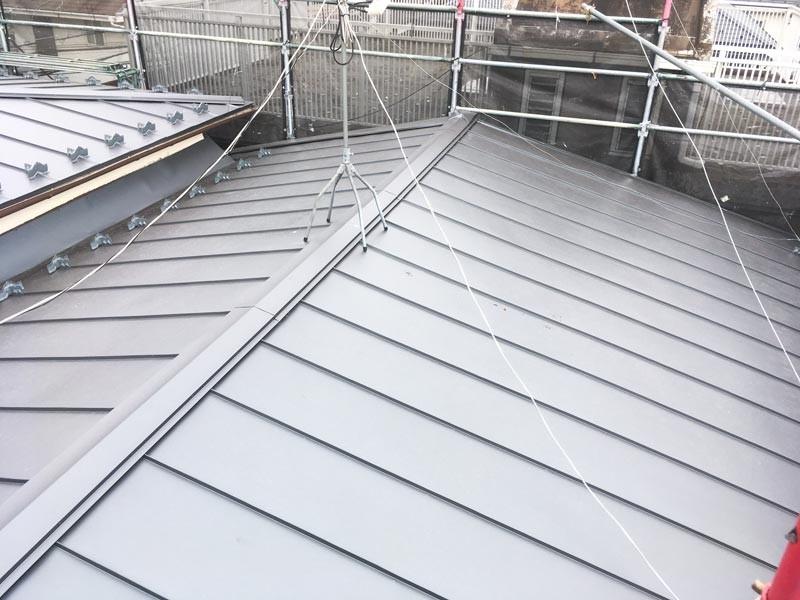屋根を葺き替えることで機能性の高い自宅にリフォームの事例写真