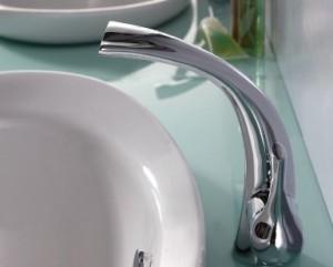 シンプルな水栓金具