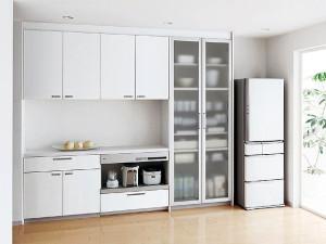 キッチン 食器 棚 配置