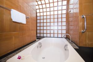 beautiful modern jacuzzi bathtub, bathroom