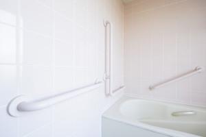 洗い場移動用の手すり(横)