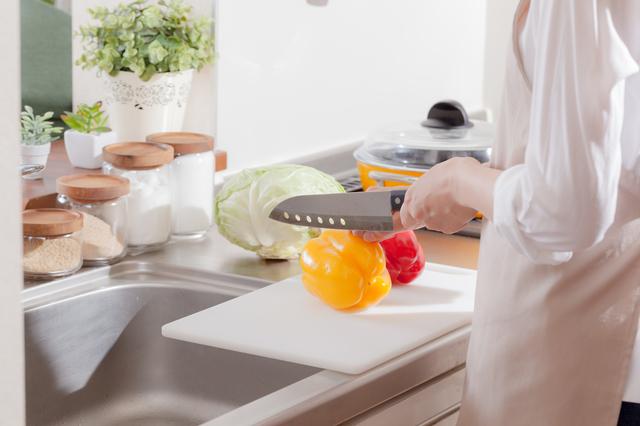 シンクの位置は調理スペースに配慮して決める