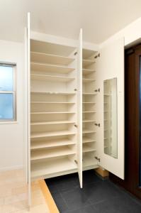 玄関収納を増やす方法