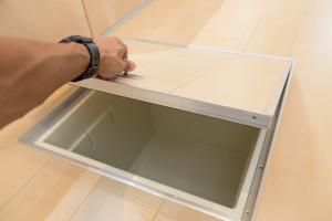キッチンの床下に収納を作る