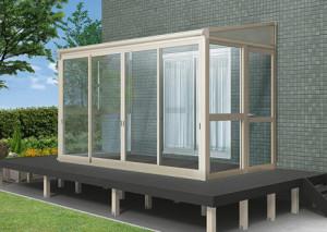庭の一部にサンルームを増築してリビングを大きくする費用