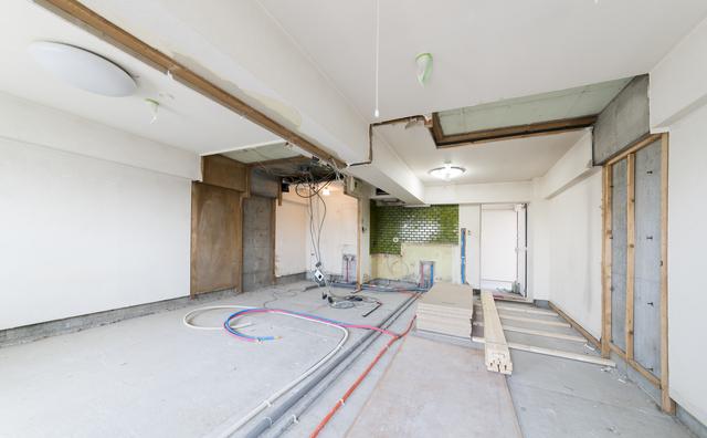 ②広い部屋の床、壁、天井をリフォームする場合