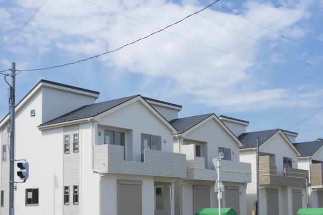 外壁は薄い色で屋根は濃い色を選ぶ