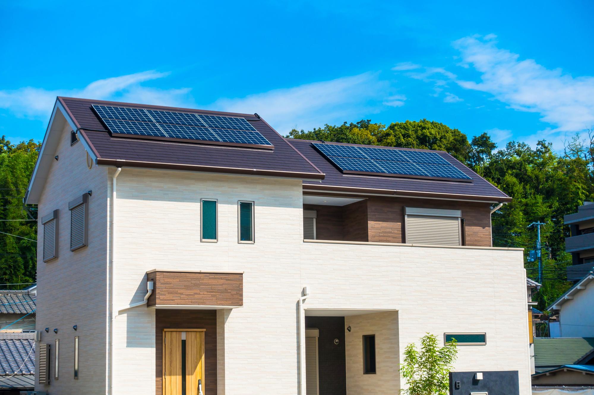 1-10.太陽光発電パネル設置の際にできた穴