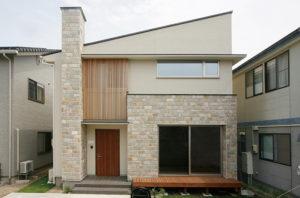凹凸の多い家